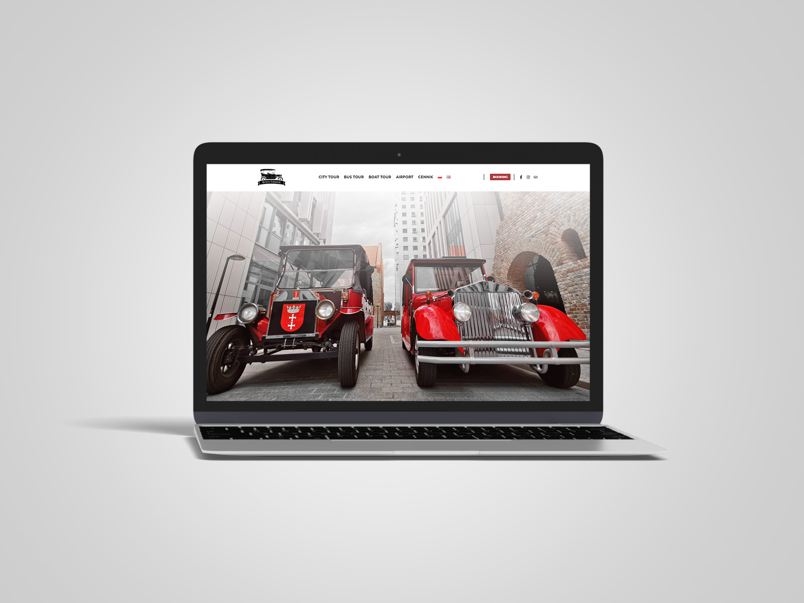 Laptop macbook, na którym wyświetlany jest projekt strony internetowej dla Retro Gdańsk
